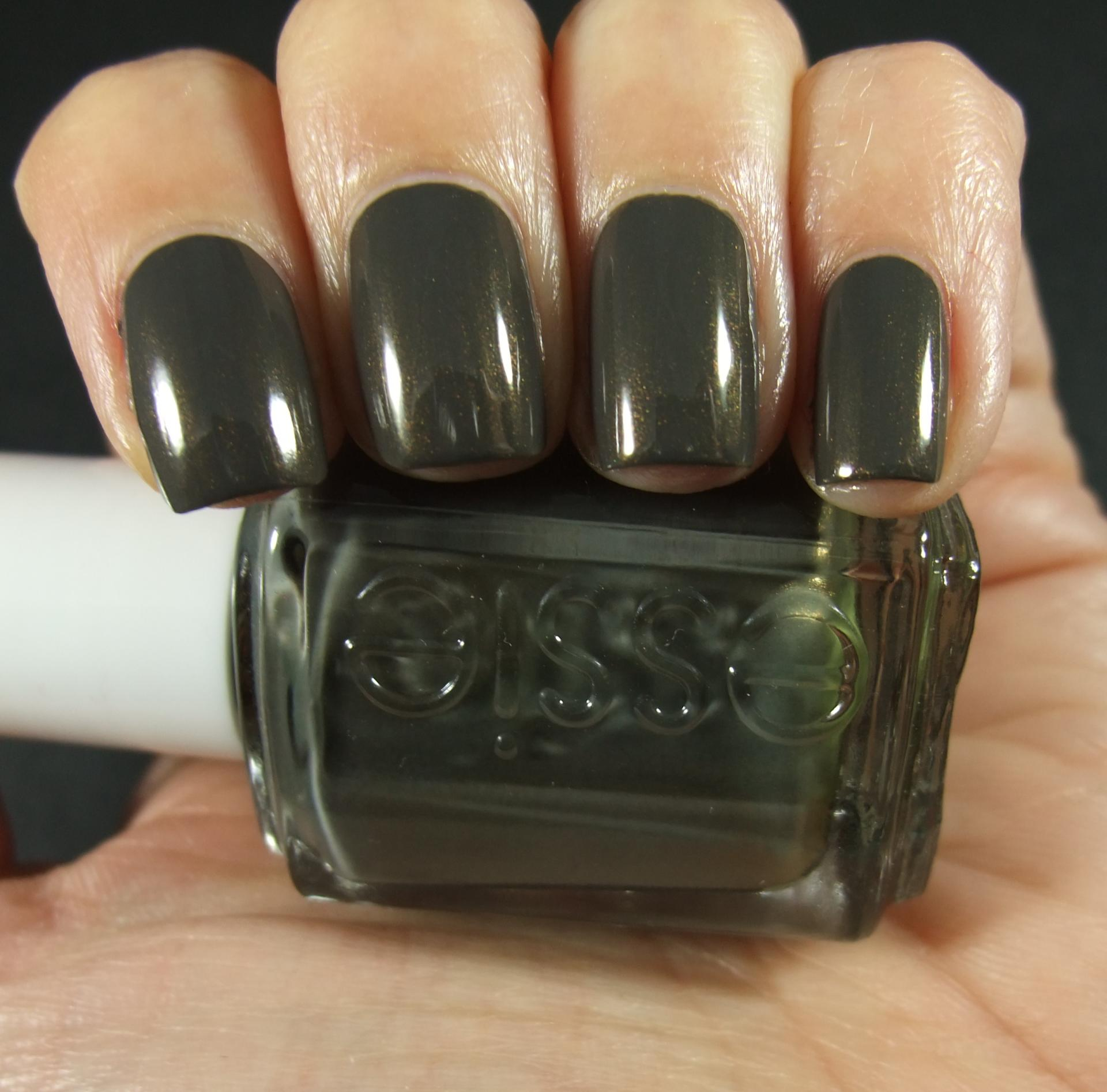 essie-armed-and-ready-01