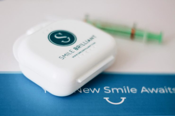 Smile Brilliant Home Teeth Whitening System GIVEAWAY