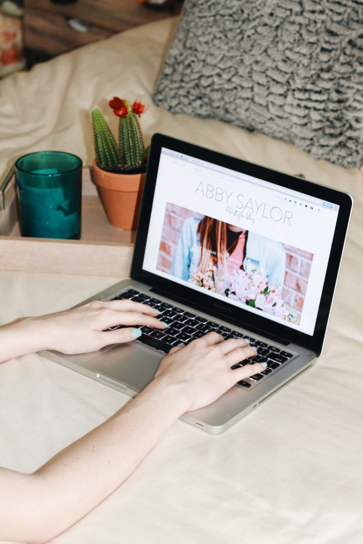 What Your Blog Readers Want To See From You