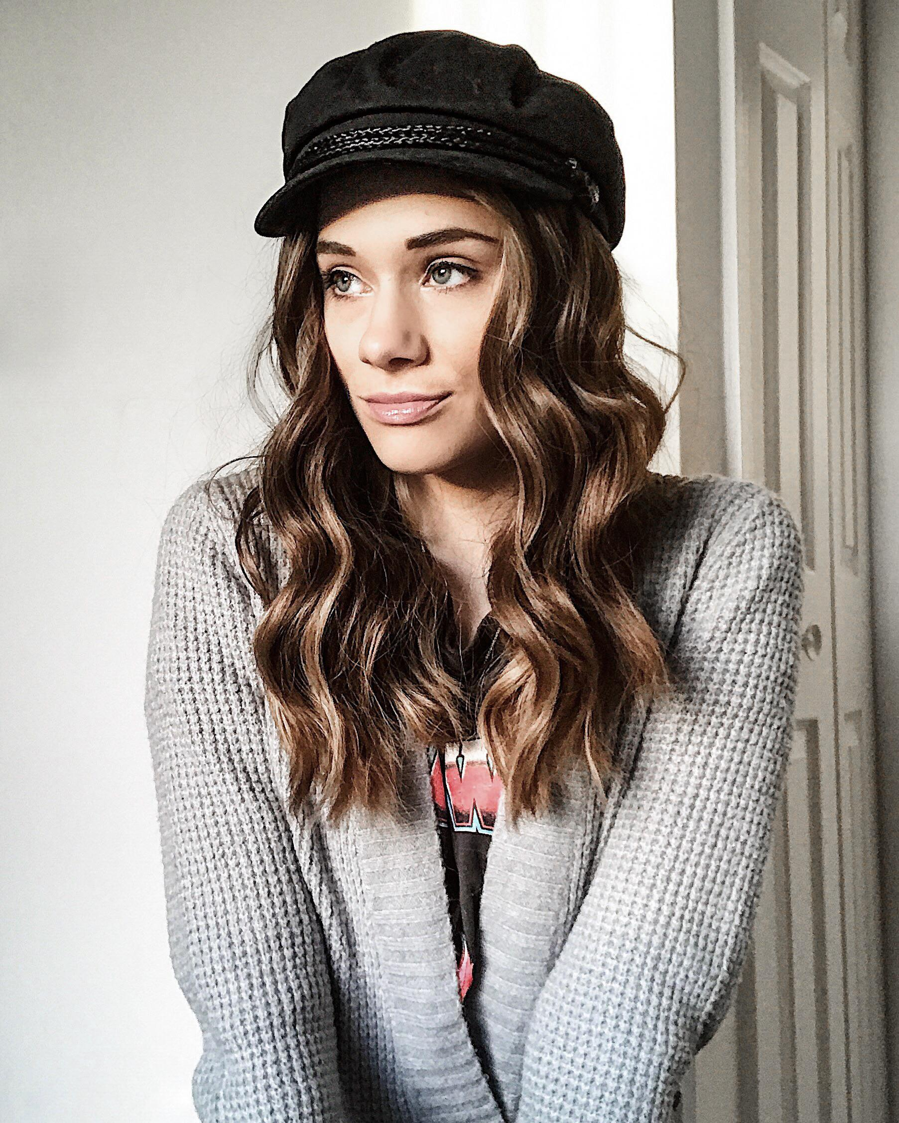 How to Style a Fiddler Cap